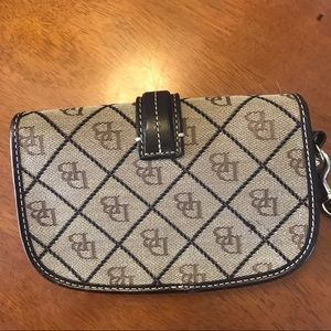 Dooney & Bourke Bags - Dooney & Bourke Brown Wristlet